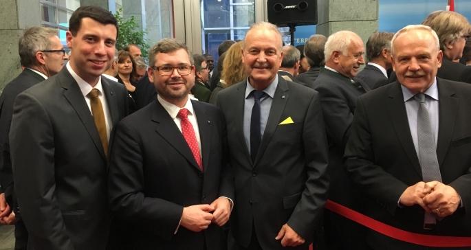 Landesrat DI Ludwg Schleritzko mit Vertretern der Marktgemeinde Sitzendorf/Schmida und Retz
